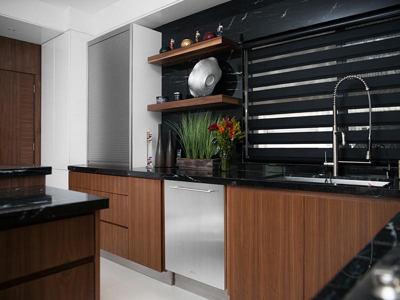 Closets de madera en monterrey la maderoteca for Saldos de cocinas integrales