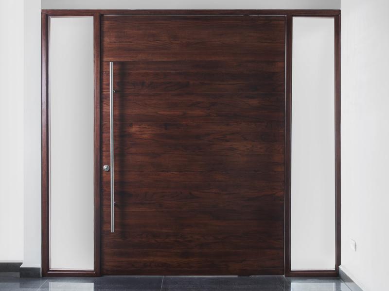 Catalogo de puertas de madera modernas lnea clsica for Puertas de entrada de madera modernas